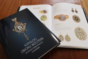 """""""Katalog zbioru biżuterii Muzeum Okręgowego w Koninie"""""""