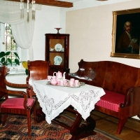 Dworek – salon, meble w stylu biedermeier, 2 ćw. XIX w